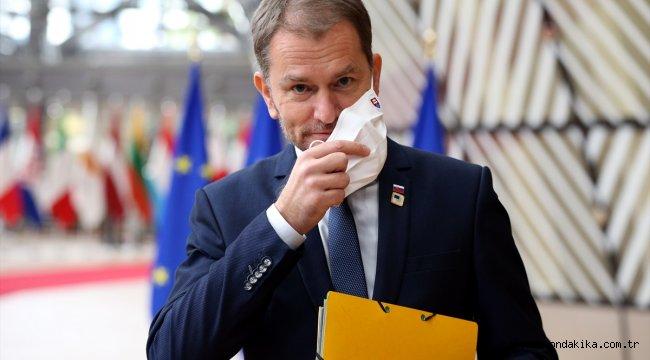 AB, İngiltere ile müzakerelere devam kararı alırken, anlaşmazlığa karşı üyeleri uyardı