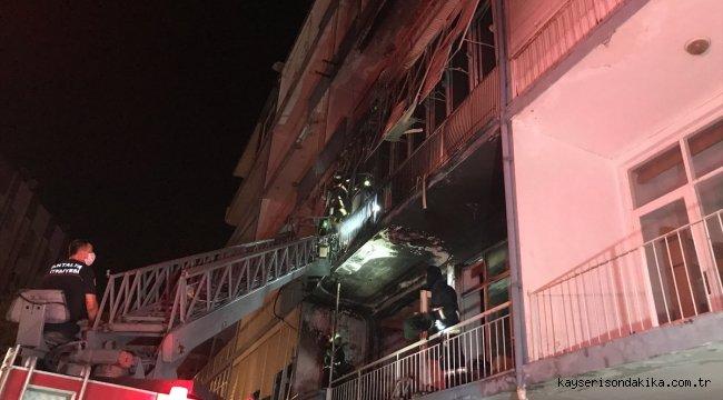 Antalya'da apartmanda çıkan yangında iki güvercin ve bir köpek kurtarıldı