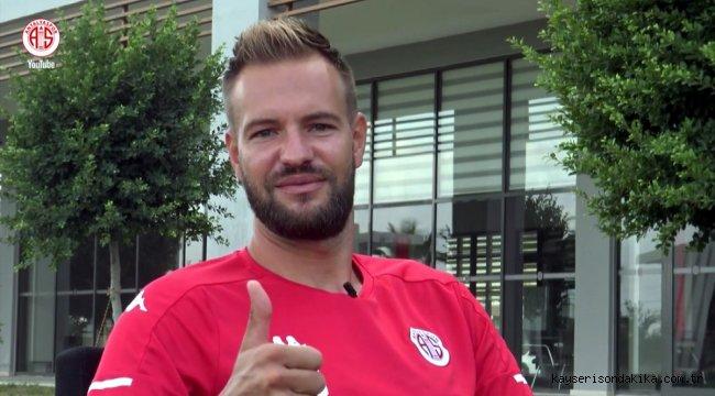 Antalyaspor'un kalecisi Boffin, statlardaki sessizliğin sona ermesini diledi