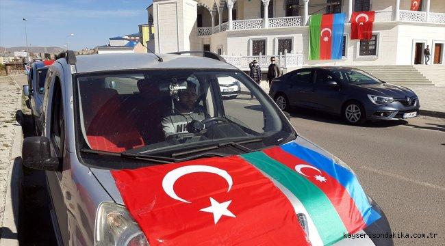 """Ardahan'da Azerbaycan'a destek için """"Gardaşlık zamanı"""" sloganıyla konvoy oluşturuldu"""