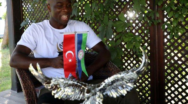 Çaykur Rizesporlu Donsah, kurduğu vakıfla yardıma muhtaç kişilere destek oluyor