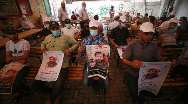 Gazzeliler, açlık grevindeki Filistinli tutuklu Ahres için Kızılhaç binasında süresiz eylem başlattı