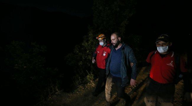 GÜNCELLEME 2 - Uludağ'ın eteklerinde kaybolan 4 kişi ekiplerce kurtarıldı