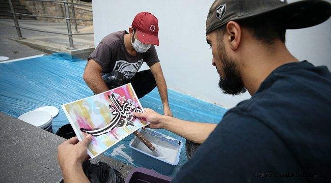 Hattat Hasan Çelebi'nin eseri Trabzon'da grafitiyle yorumlanıyor
