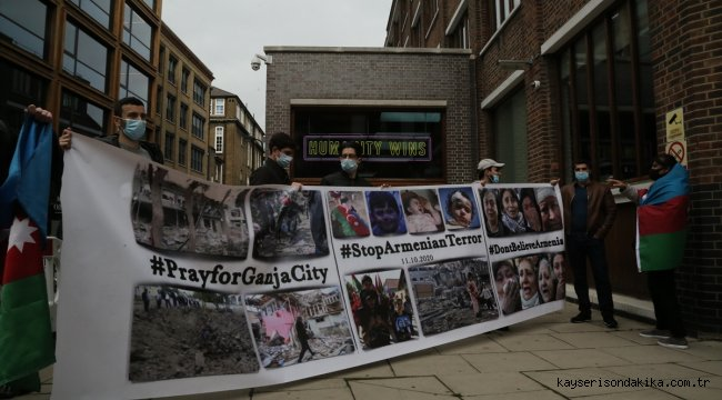 İngiltere'deki Azerbaycan Türkleri, Ermenistan'ın Azerbaycan'daki sivillere yönelik saldırısını protesto etti