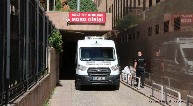İzmir'de trafik kazasında yaşamını yitiren kadın bisikletçi toprağa verildi