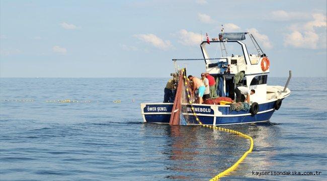 Kastamonulu balıkçılar palamutun bolluğundan memnun