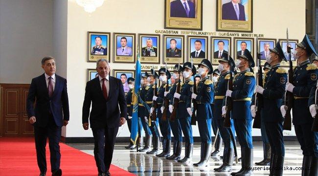 Kazakistan ile Rusya, askeri iş birliği anlaşmasını yeniledi