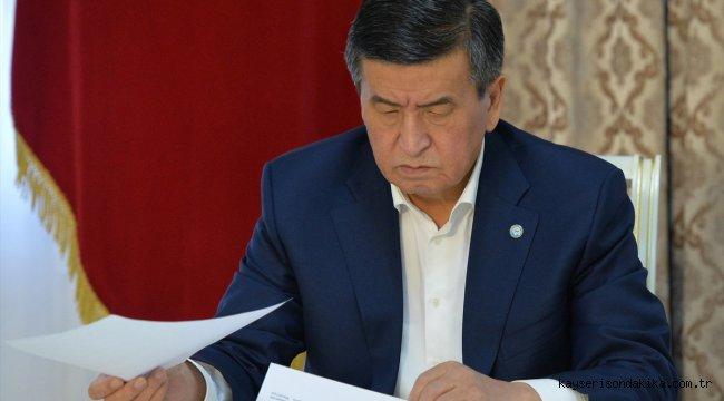 Kırgızistan Cumhurbaşkanı Ceenbekov'dan, Caparov'un Başbakanlık görevine getirilmesine veto