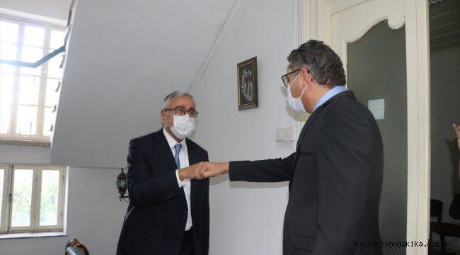 KKTC Cumhurbaşkanı ve Bağımsız Cumhurbaşkanı Adayı Akıncı, Cumhuriyetçi Türk Partisini ziyaret etti