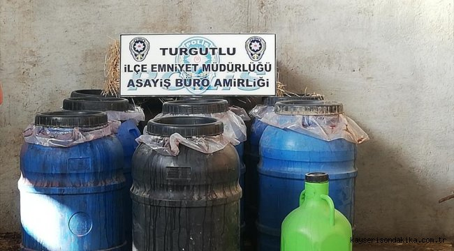 Manisa'da samanların arasında gizlenmiş 2 ton sahte içki ele geçirildi