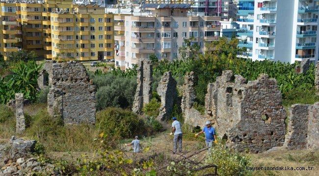 Naula Antik Kenti'nde çevre temizliği çalışması