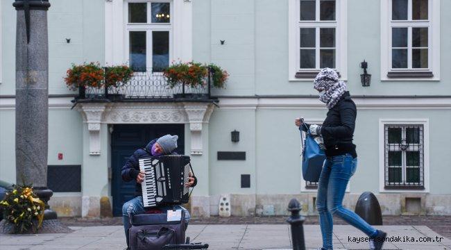 Orta Avrupa ülkelerinde Kovid-19 vakalarındaki hızlı artış sürüyor