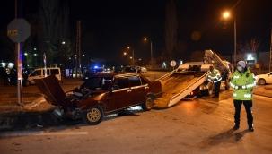 Kayseri Son Dakika: Otomobil sivil polis aracına çarptı: 1 yaralı