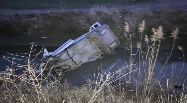 Konya'da sulama kanalına düşen otomobildeki kadın öldü, kocası yaralandı