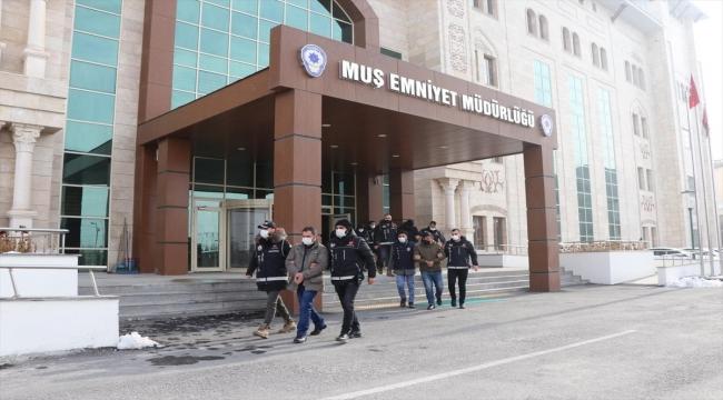Muş'ta ehliyet sınavı için kopya düzeneği hazırlayan 9 şüpheli gözaltına alındı