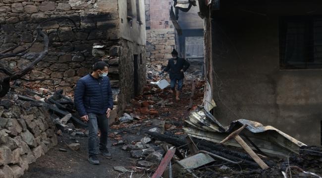 Trabzon'da 7 bina ve 2 samanlığın hasar gördüğü yangınla ilgili çalışmalar sürüyor