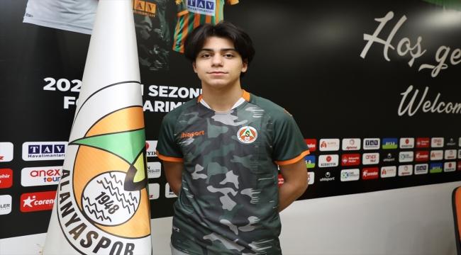 Aytemiz Alanyaspor, genç futbolcular Furkan Bayır ve Muhammet Arda Uzun'u transfer etti