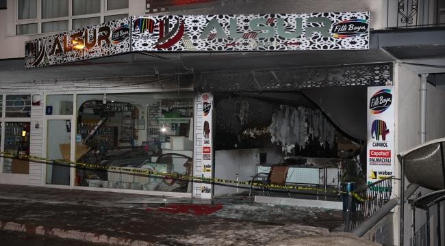 Başkentte şüpheliler kundakladıkları iş yerinin sahibini telefonla görüntülü arayıp yangını izletmiş