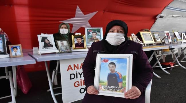 Evlatlarına kavuşmak isteyen Diyarbakır anneleri nöbeti kararlılıkla sürdürüyor
