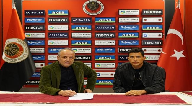 Gençlerbirliği, Brezilyalı forvet Sandro Lima'yı transfer etti
