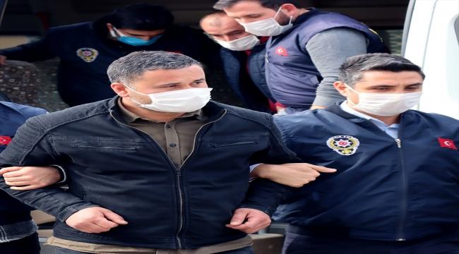 GÜNCELLEME - Mersin Büyükşehir Belediyesi hizmet binasındaki yangınla ilgili bir kişi tutuklandı