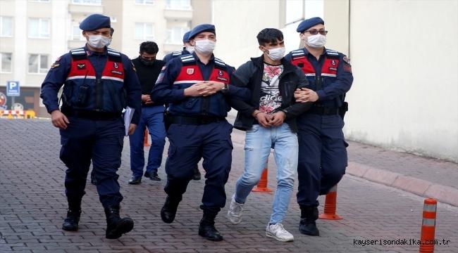 Kayseri'de hırsızlık yapanlar suçüstü yakalandı! Faili meçhul 6 hırsızlık olayı aydınlatıldı