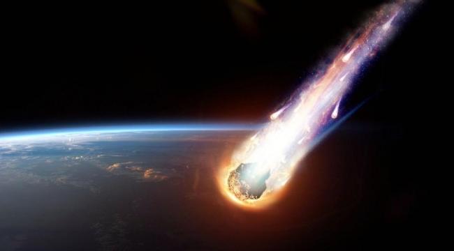 Kayseri'ye düşen meteorun (göktaşı) düşme anı