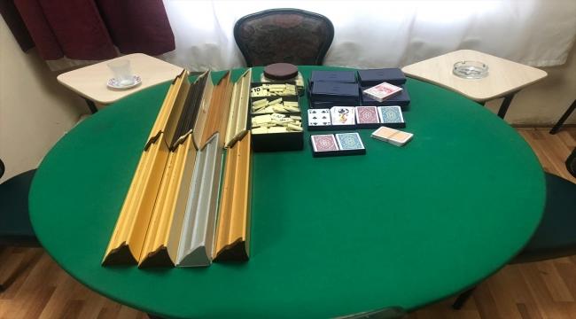 Maltepe'de Kovid-19 tedbirlerini ihlal ederek kumar oynayanlara para cezası
