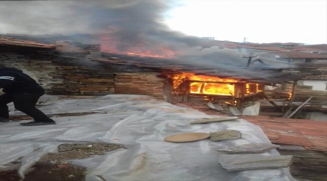 Manisa'da yalnız yaşayan 101 yaşındaki kadın evinde çıkan yangında öldü