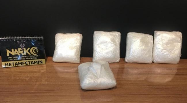 Şanlıurfa'da tır ve otomobilde 117 kilo 550 gram uyuşturucu ele geçirildi