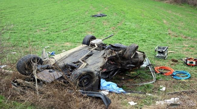 Tekirdağ'da otomobil ile kamyonet çarpıştı: 2 ölü, 4 yaralı