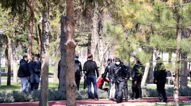 Kayseri'de Afganlıların bıçaklı kavgasında bir kişi yaralandı, 8 şüpheli gözaltına alındı