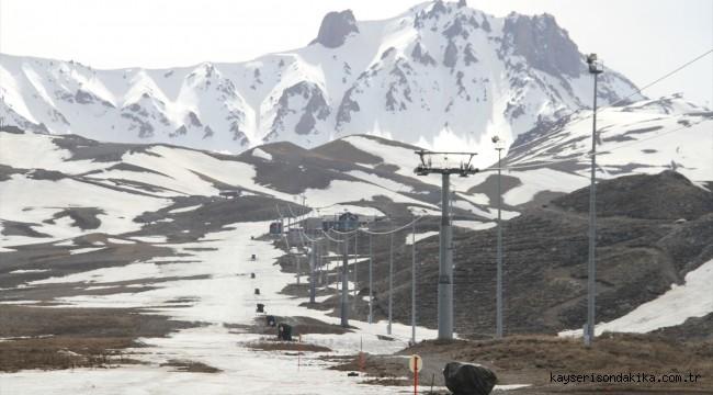 Erciyes Kayak Merkezi'nde kısıtlaması sessizliği