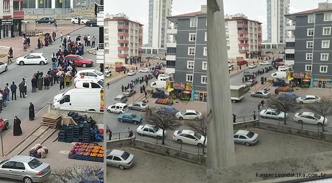 Kayseri'de kısıtlama sırasında ücretsiz patates kuyruğu!
