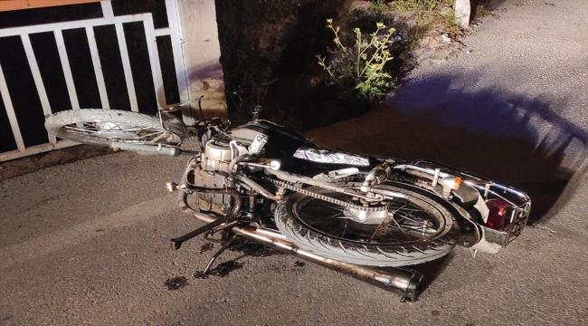 Manisa'da çaldığı motosikletle polisten kaçarken kaza yapan kişi tutuklandı