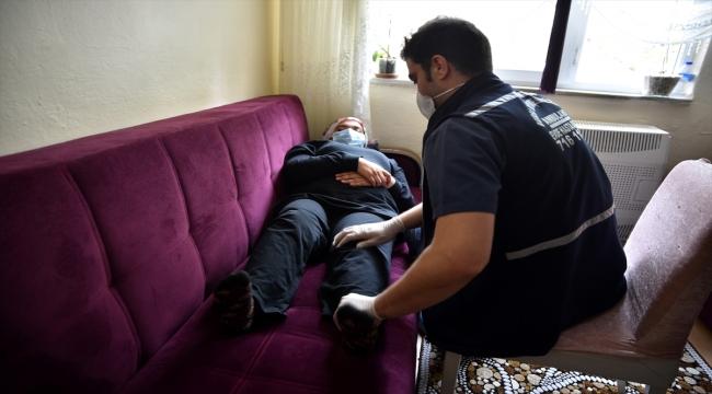 Bursa'da doğuştan yürüme engeli bulunan genç kız 17 yıl sonra ilk adımlarını attı