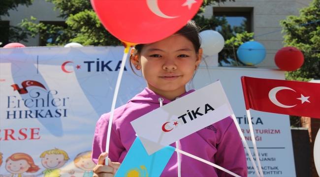 TİKA, Kazakistan'daki yetimlerin yüzünü güldürdü