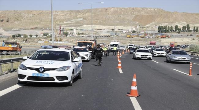 Ankara'da zincirleme trafik kazası: 17 yaralı
