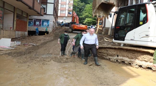 Bakan Adil Karaismailoğlu, Rize'deki sel ve heyelan sonrasında yapılan çalışmaları değerlendirdi: