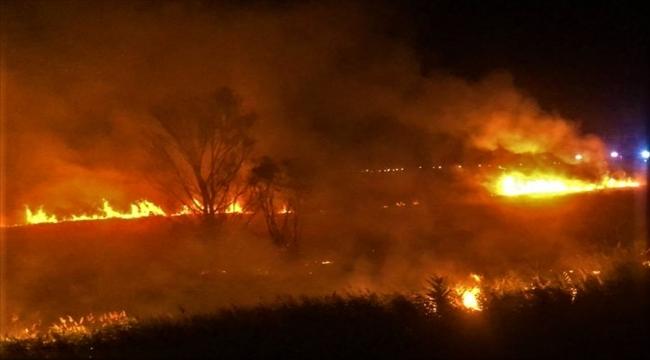 Burdur Gölü kenarındaki sazlıklarda yangın