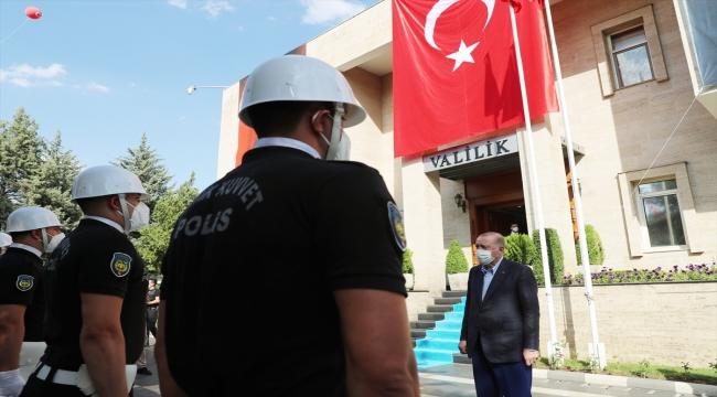 Cumhurbaşkanı Erdoğan, Diyarbakır Valiliğini ziyaret etti
