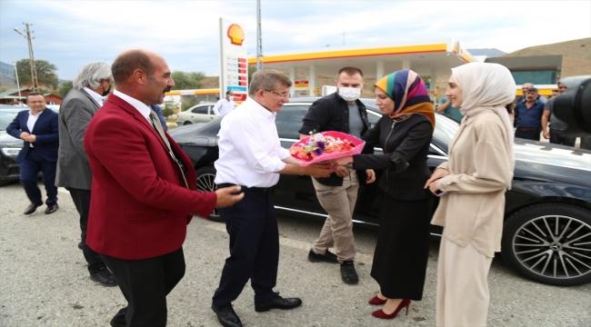 Gelecek Partisi Genel Başkanı Ahmet Davutoğlu, partisinin Oltu İlçe Teşkilatını açtı