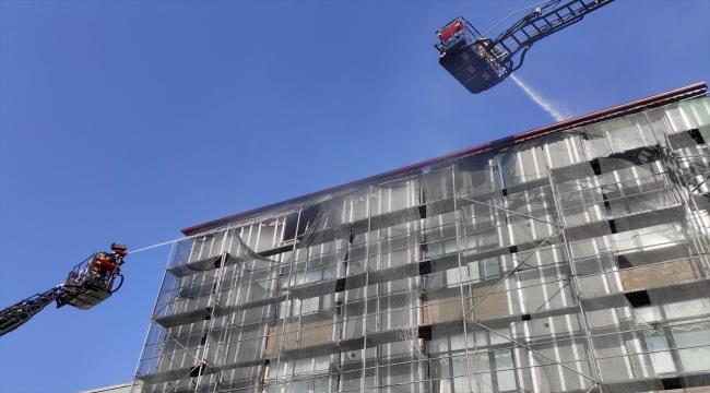 GÜNCELLEME - Ataşehir'de bir binada çıkan yangın söndürüldü
