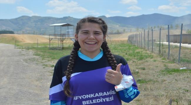 Irmak Yıldırım, Motokros şampiyonasında Türkiye'yi temsil edecek ilk kadın olmanın gururunu yaşıyor: