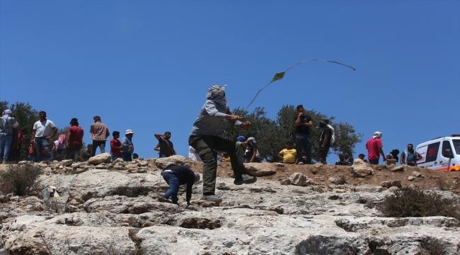 İsrail güçleri Batı Şeria'da yasa dışı Yahudi yerleşim birimleri karşıtı gösterilerde 10 Filistinliyi yaraladı