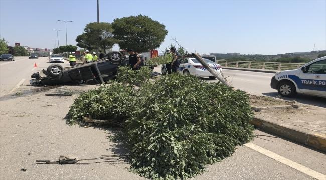 Karabük'te otomobil devrildi: 5'i çocuk 6 yaralı