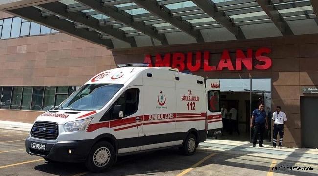 Kayseri'de hafif ticari araç ile otomobil çarpıştı: 4 yaralı