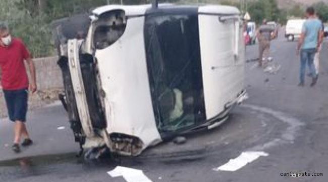 Kayseri OSB dağ yolunda kaza: Ticari araç yan yattı