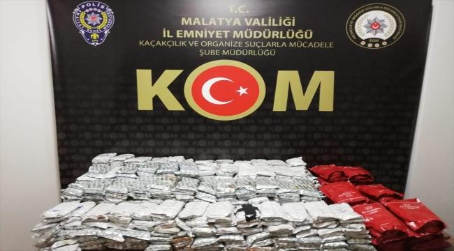 Malatya'da kamyonette 206 kilogram kaçak nargile tütünü ele geçirildi